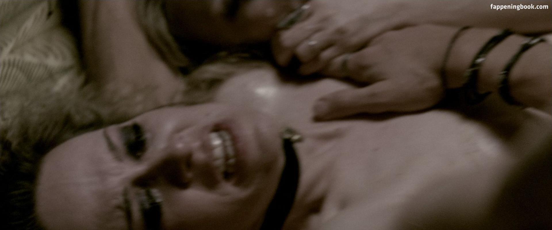 Deadwood nude pics, page