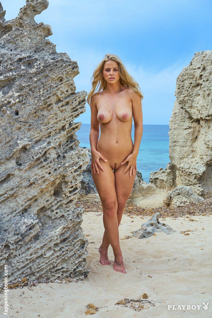 Nackt Linda Myrberg  by Myrberg