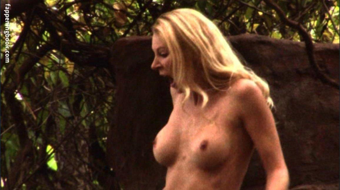 Savannah Costello Nude