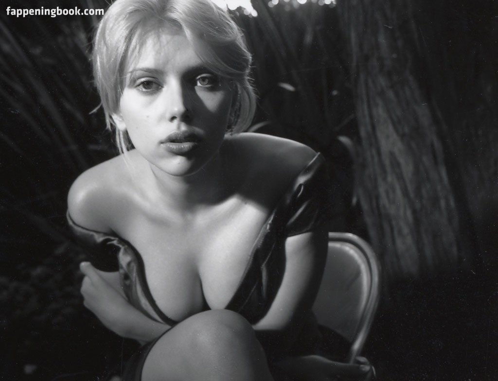 Nude Scarlett Johansson And Nude Photos Gif