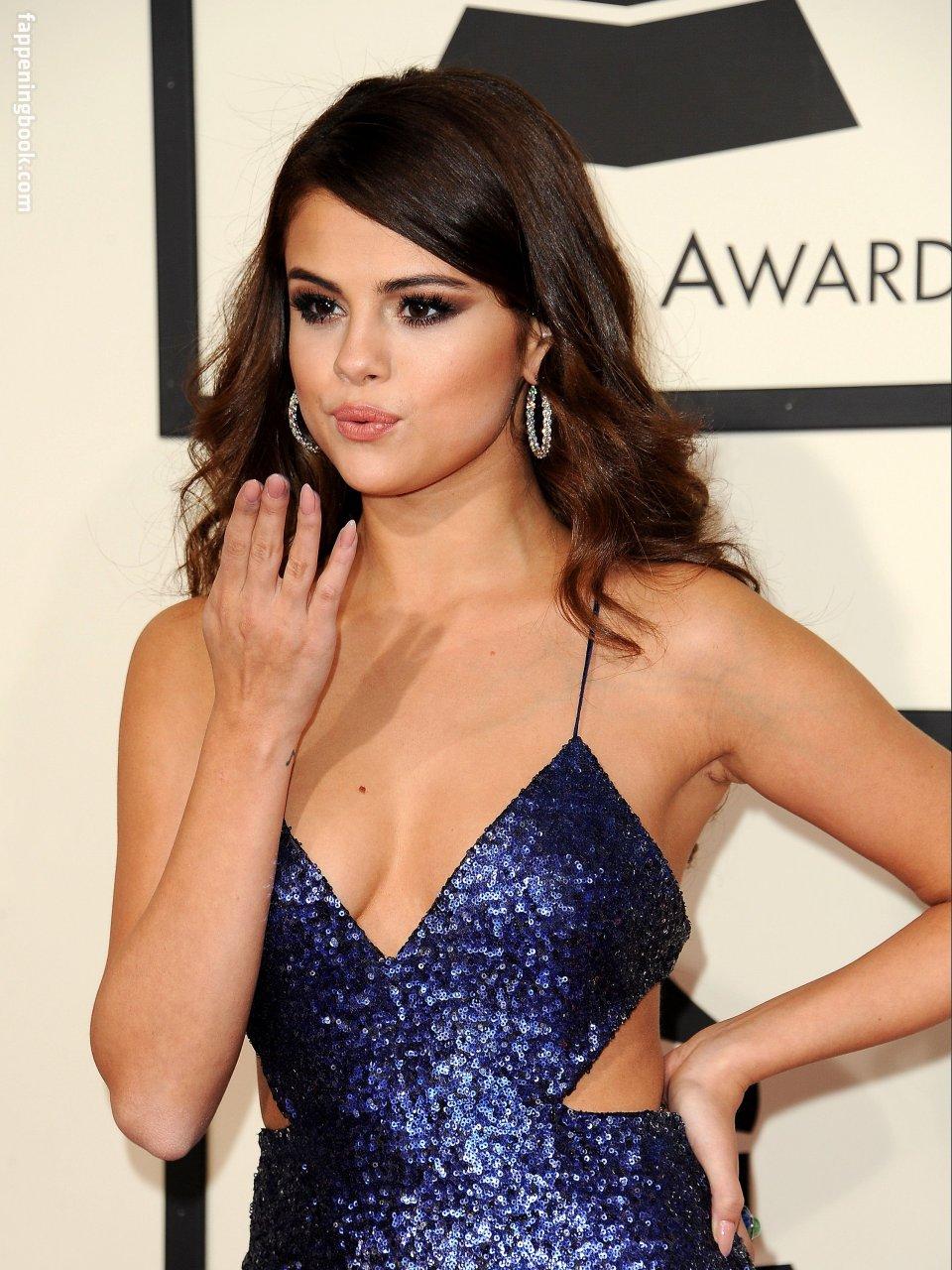 Selena Gomez Nude, Sexy, The Fappening, Uncensored - Photo