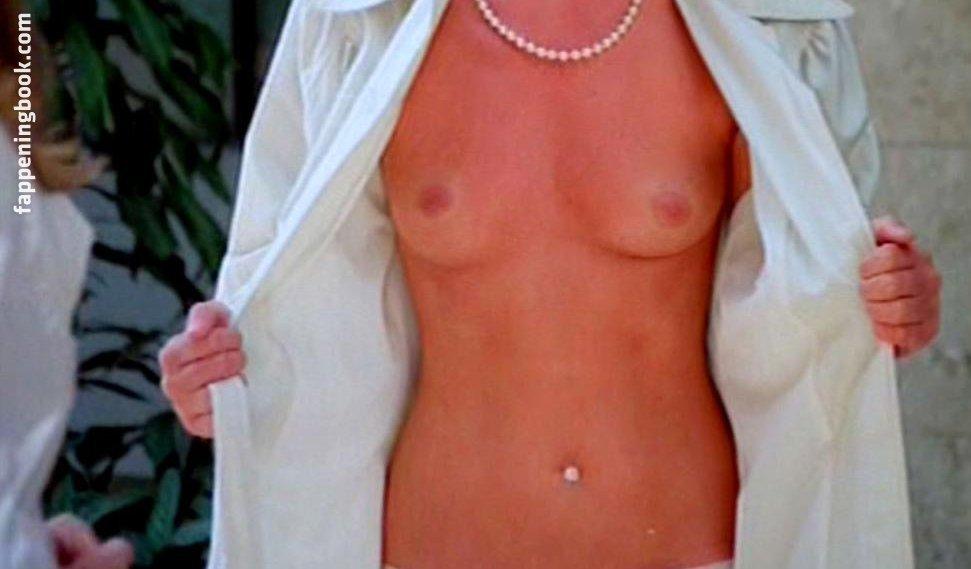 Ella endlich nude