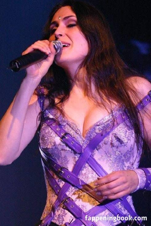 Sharon Den Adel Nude