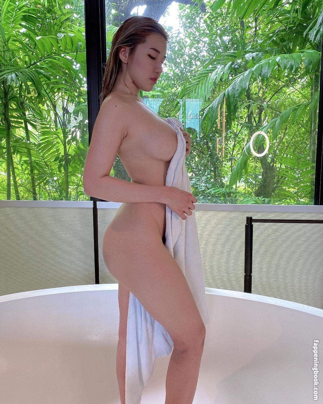 Noel nackt Brittani  Browse all