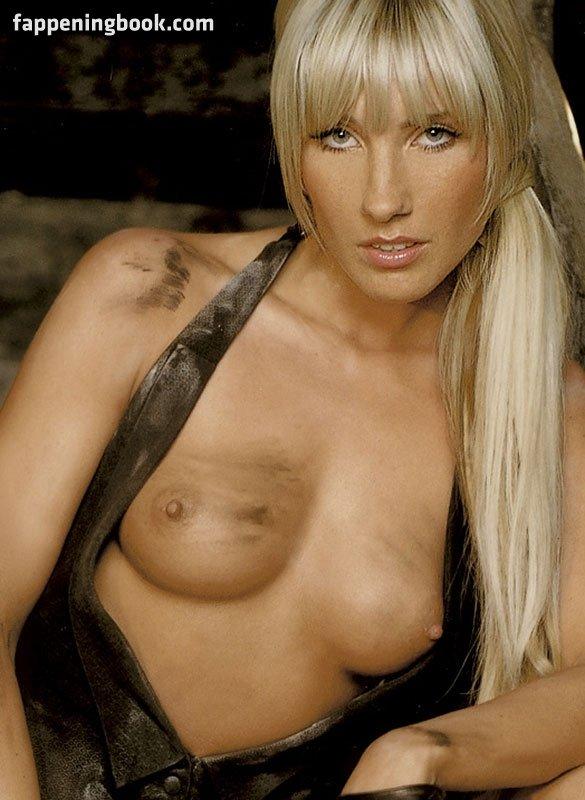 Lucia nackt Bravo sex pics