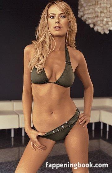 Simone Mostert  nackt