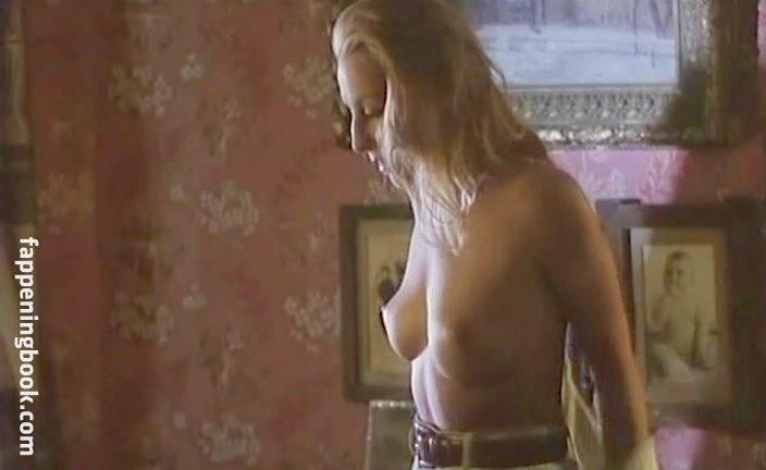 Sissi Perlinger  nackt