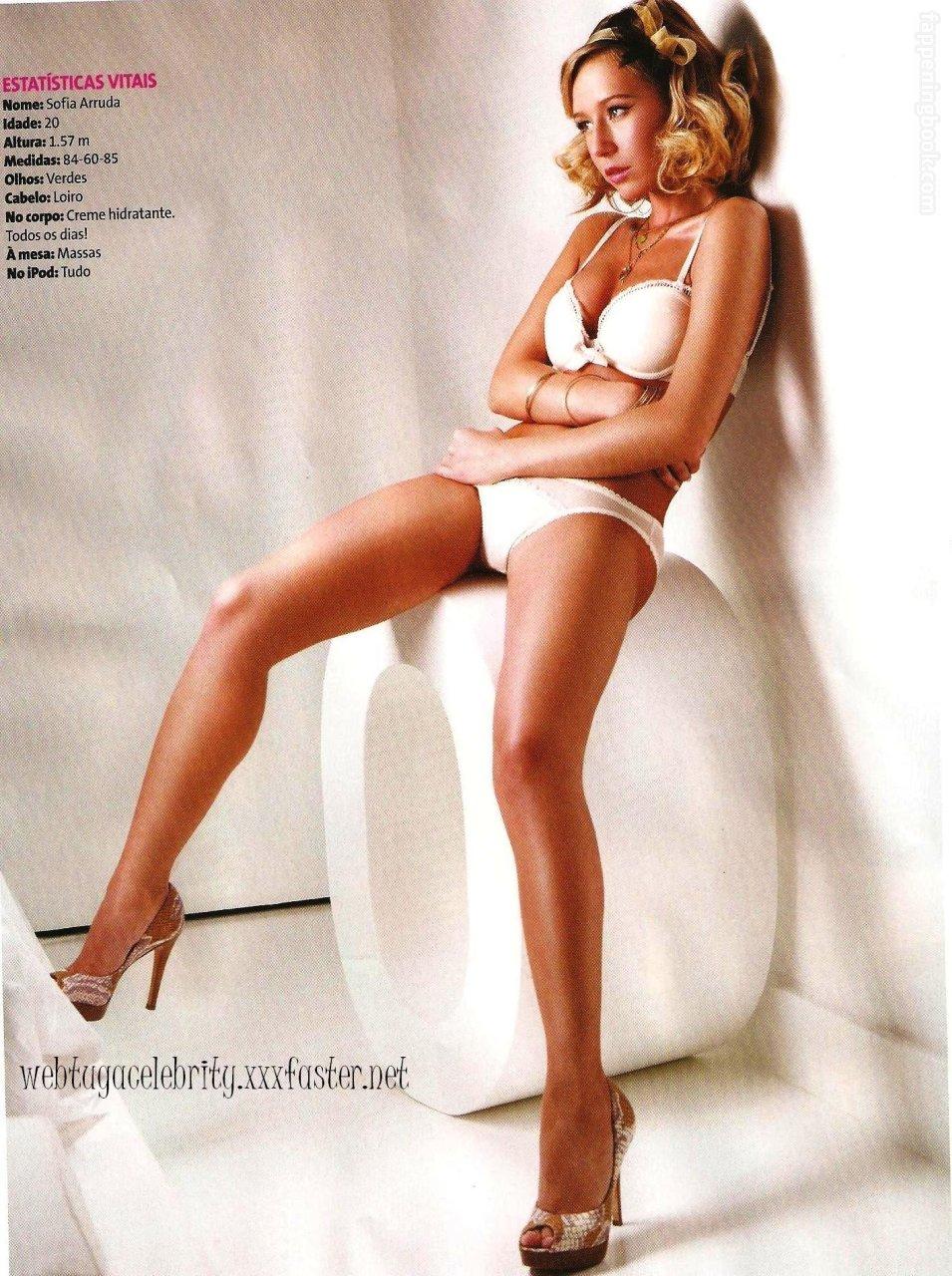 Valerie Jane Nelson  nackt