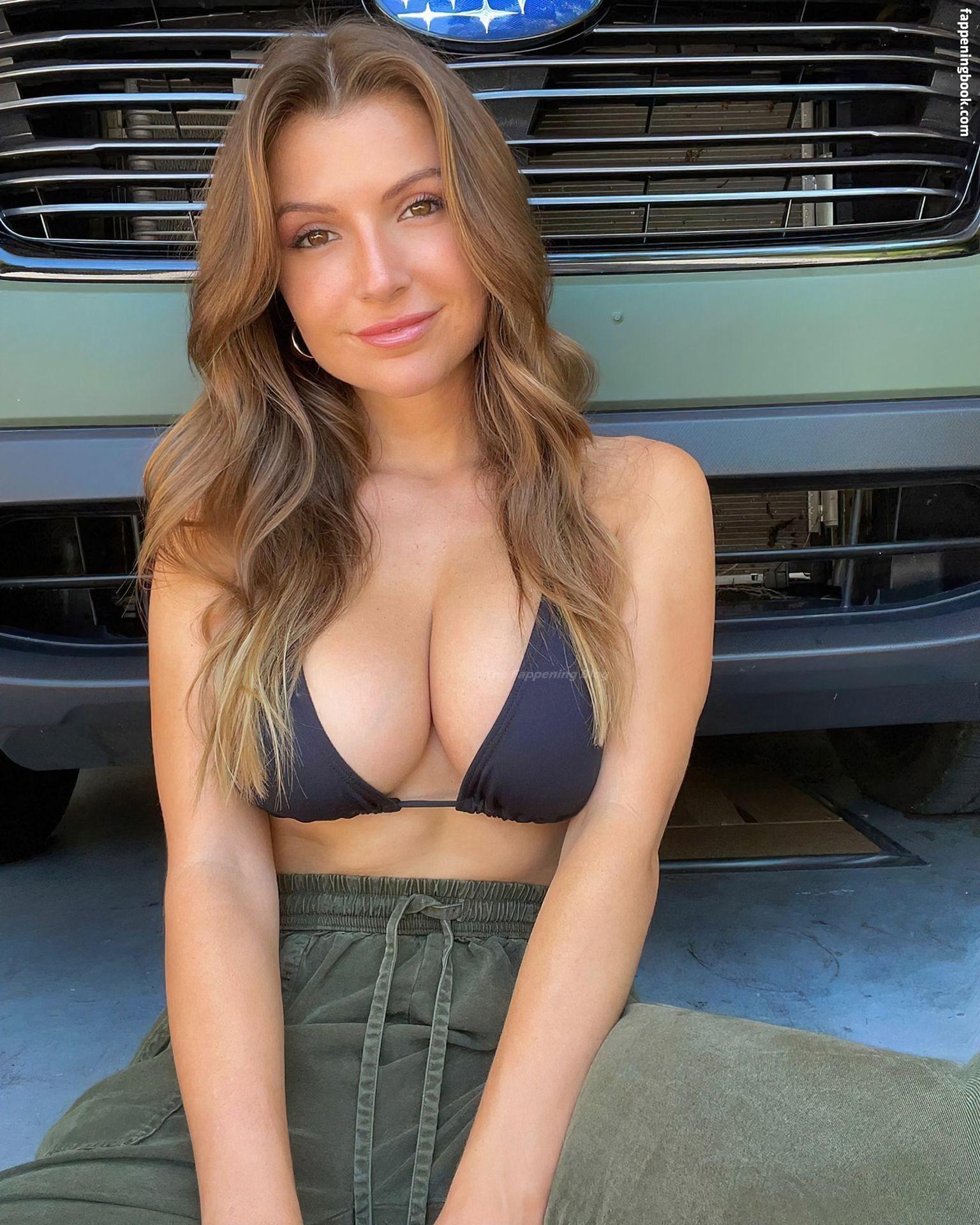 Sofia Bevarly Nude