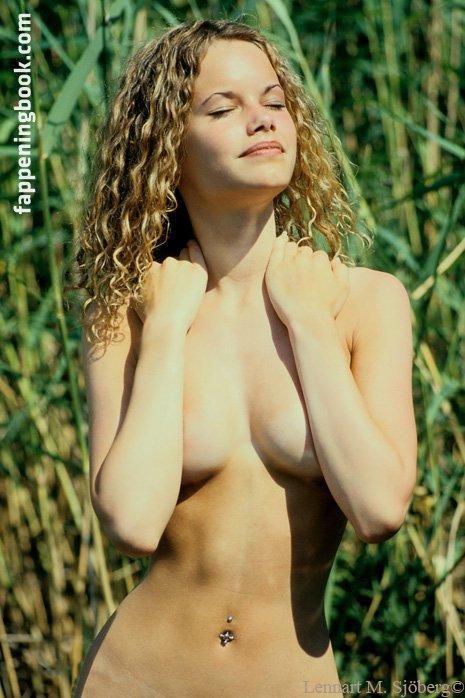 Stanbury  nackt Caroline Caroline Stanbury