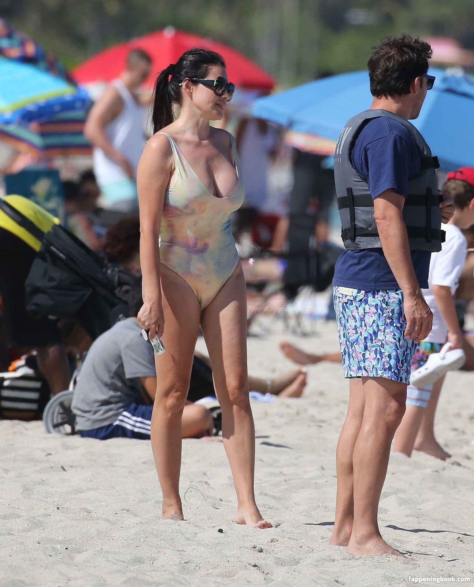Sonia Amoruso  nackt