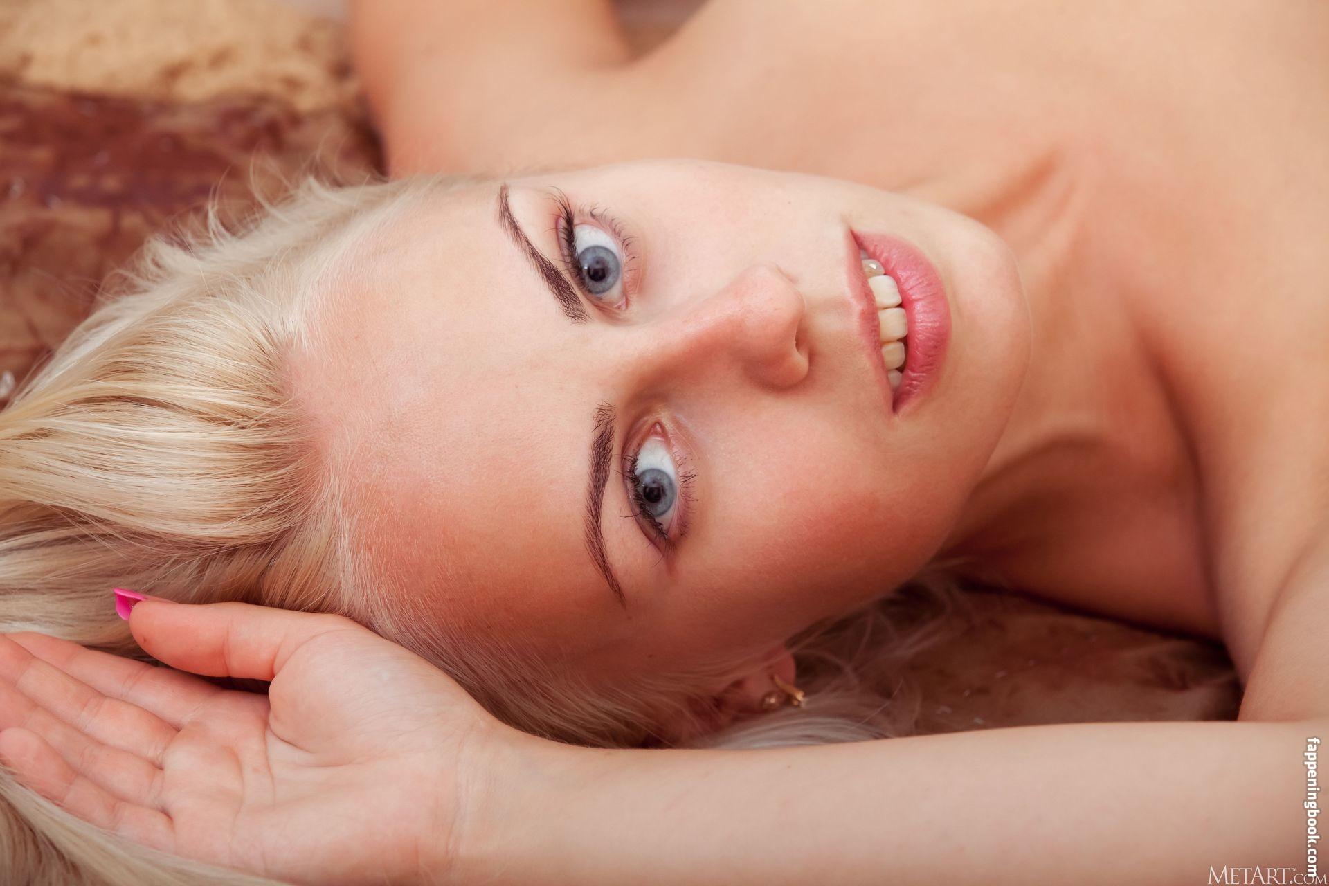 Sonnett Nude