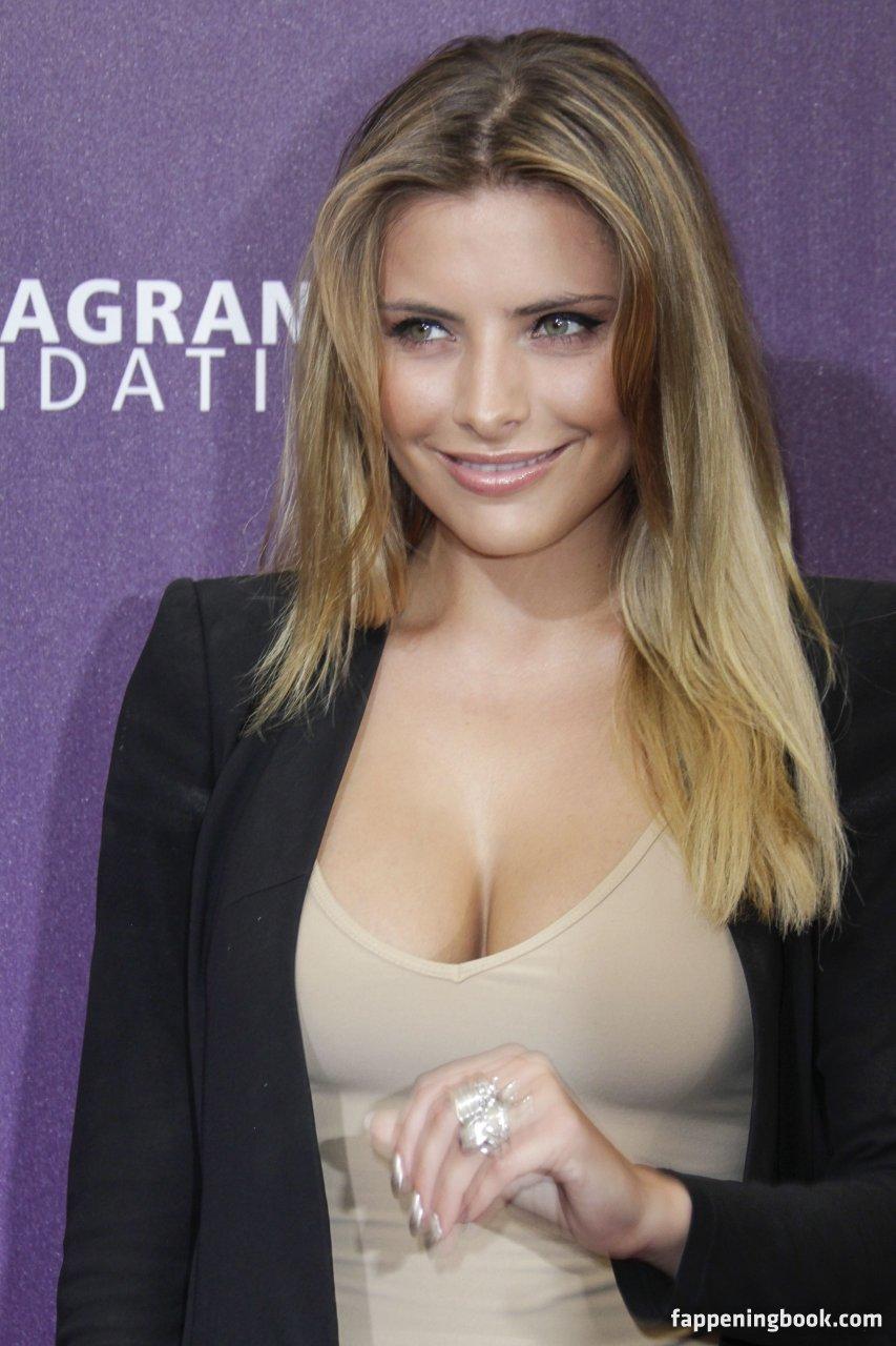 Sophia Thomalla Nude, Sexy, The Fappening, Uncensored