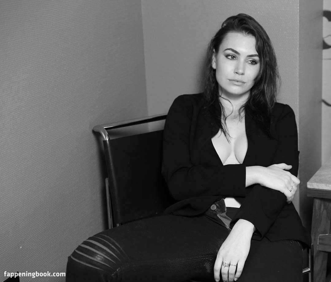 Sophie Simmons Nude, Fappening, Sexy Photos, Uncensored