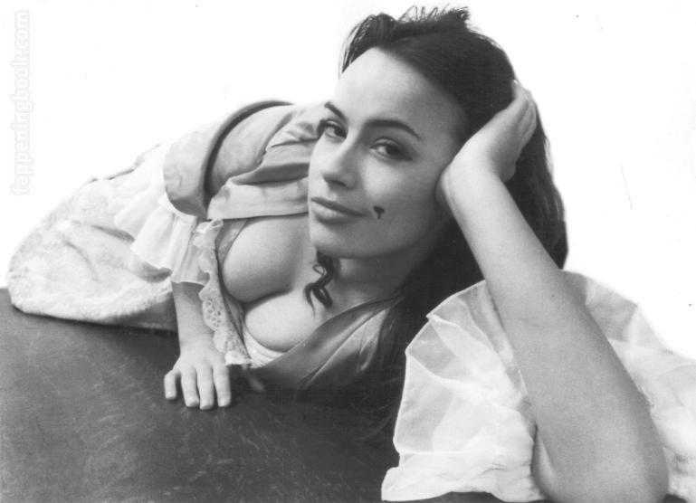 Nantia Deliyanni  nackt