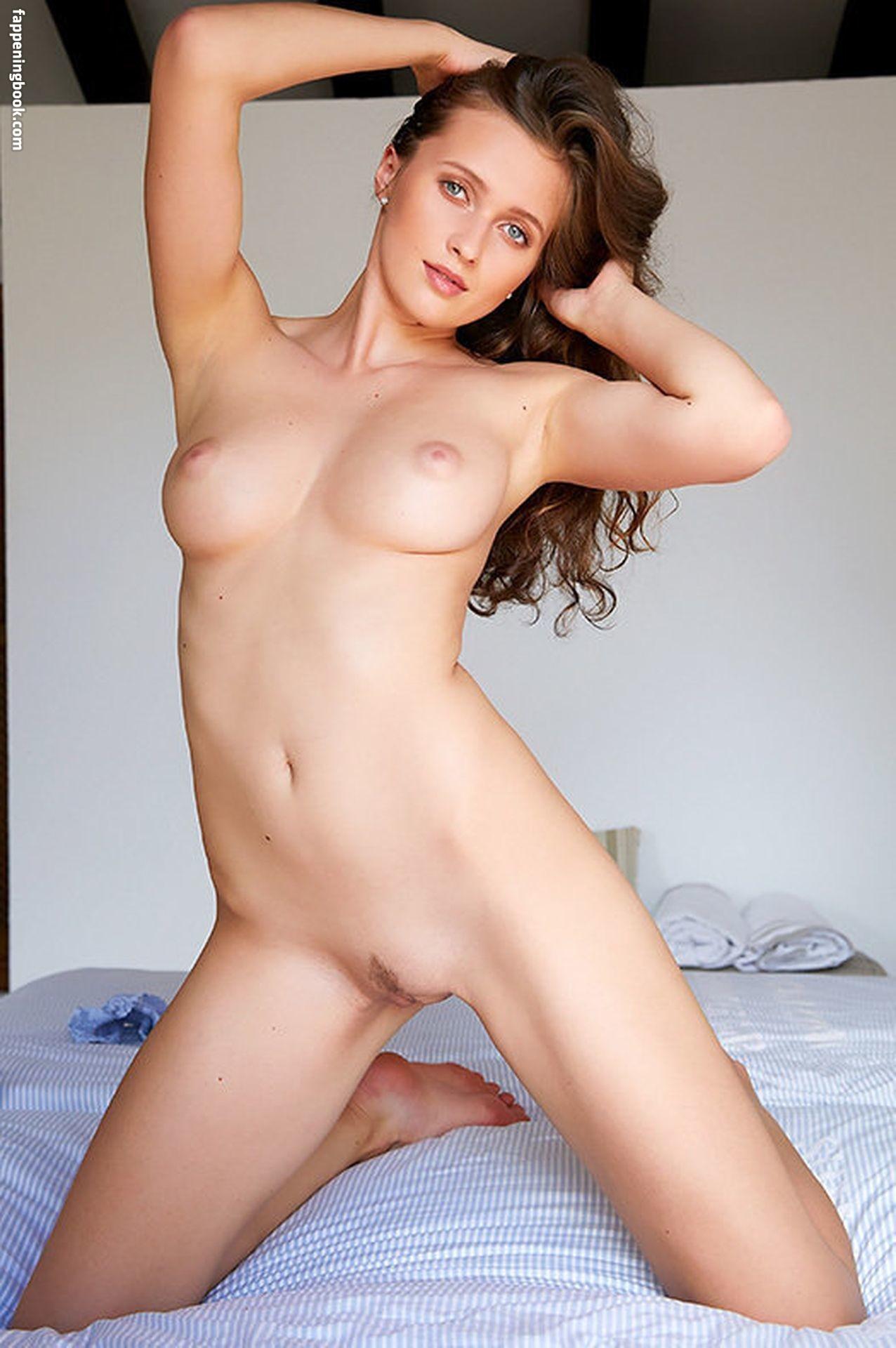 Stacy Cruz Nude