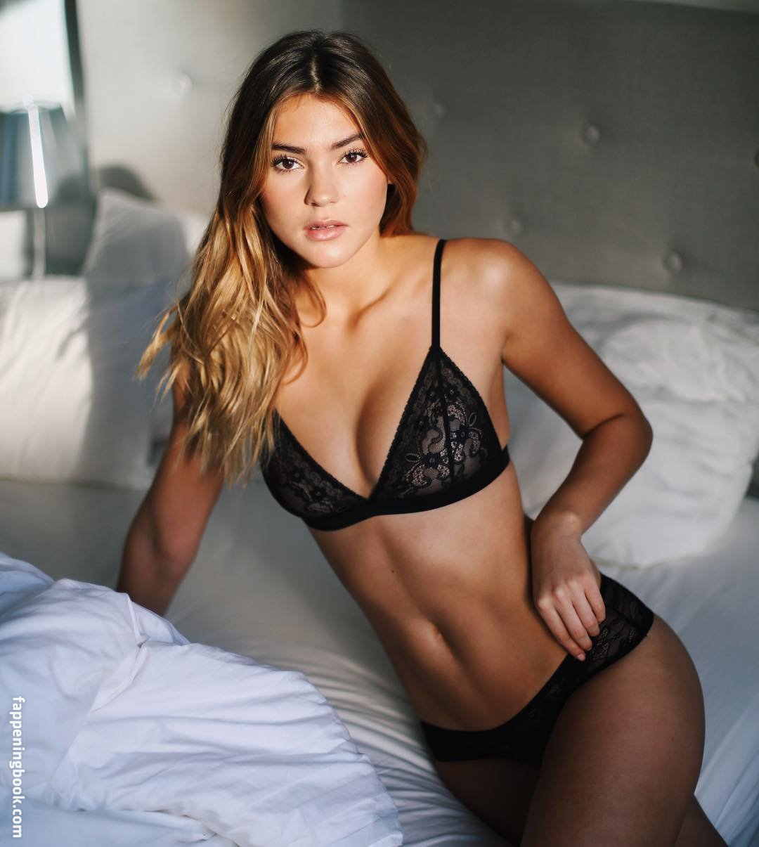 Stefanie Giesinger Nude, Sexy, The Fappening, Uncensored