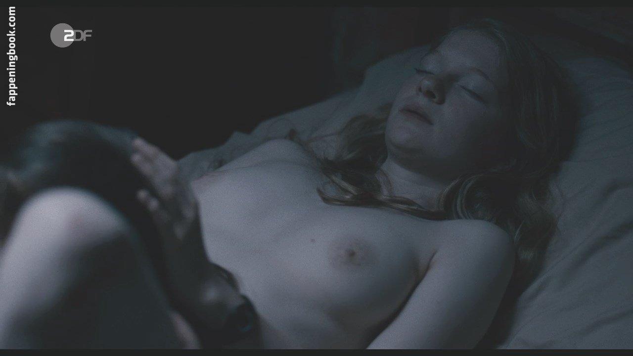 Pietrzyk  nackt Nell 41 Sexiest