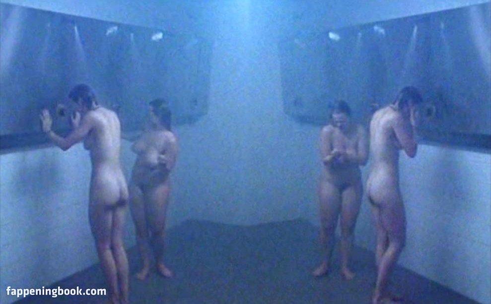 Stephanie Gossger Nude