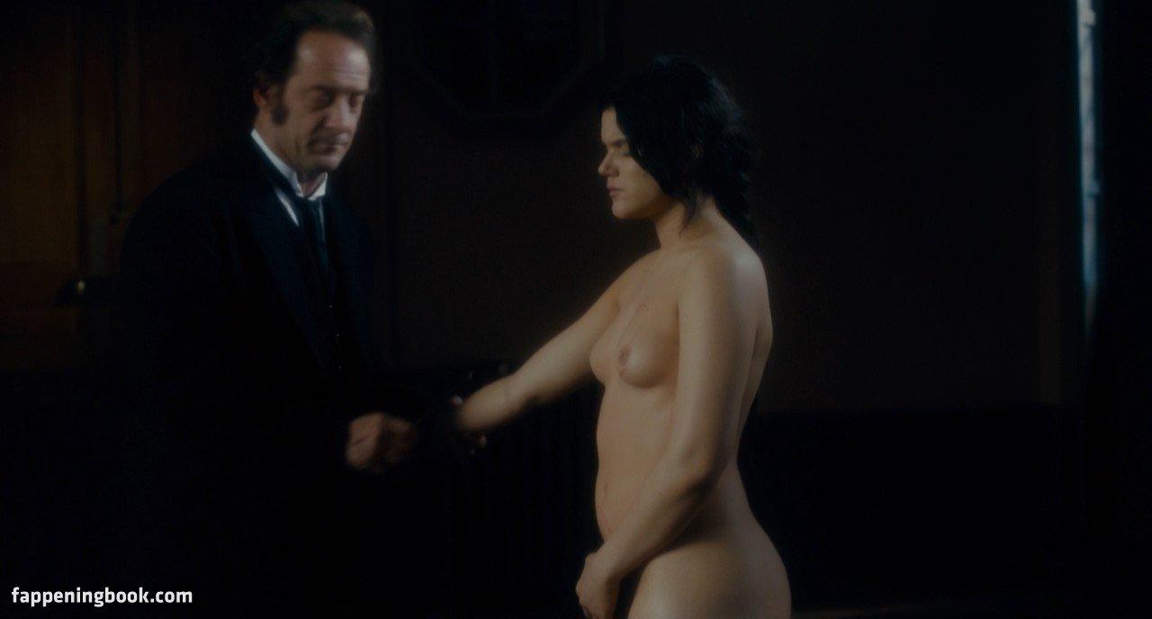 Lisa Adler  nackt