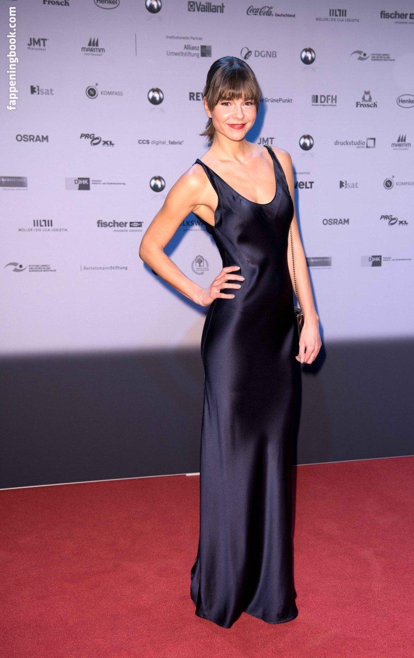 Liza Koshy Nude, Sexy, The Fappening, Uncensored - Photo