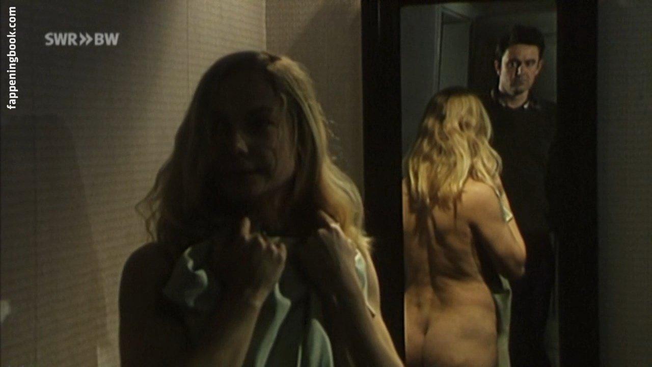 Susanne-Marie Wrage Nude
