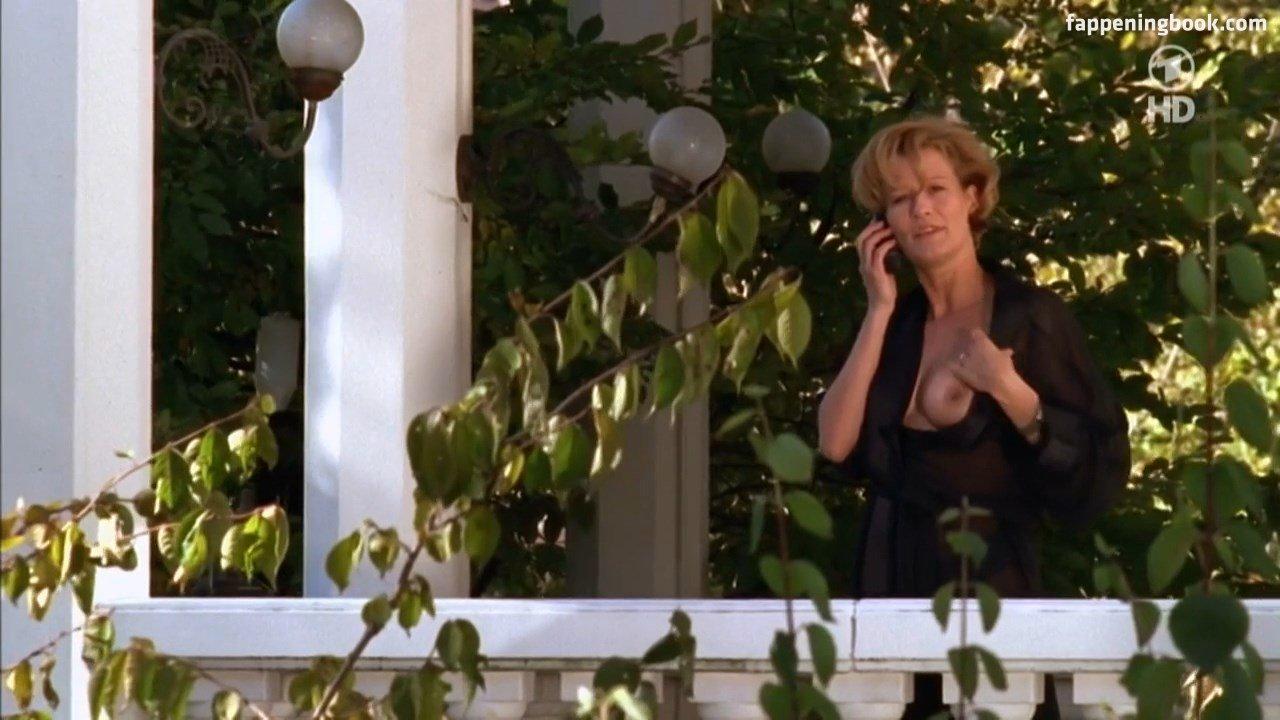 nackt Ibbetson Kirsten The Brokenwood