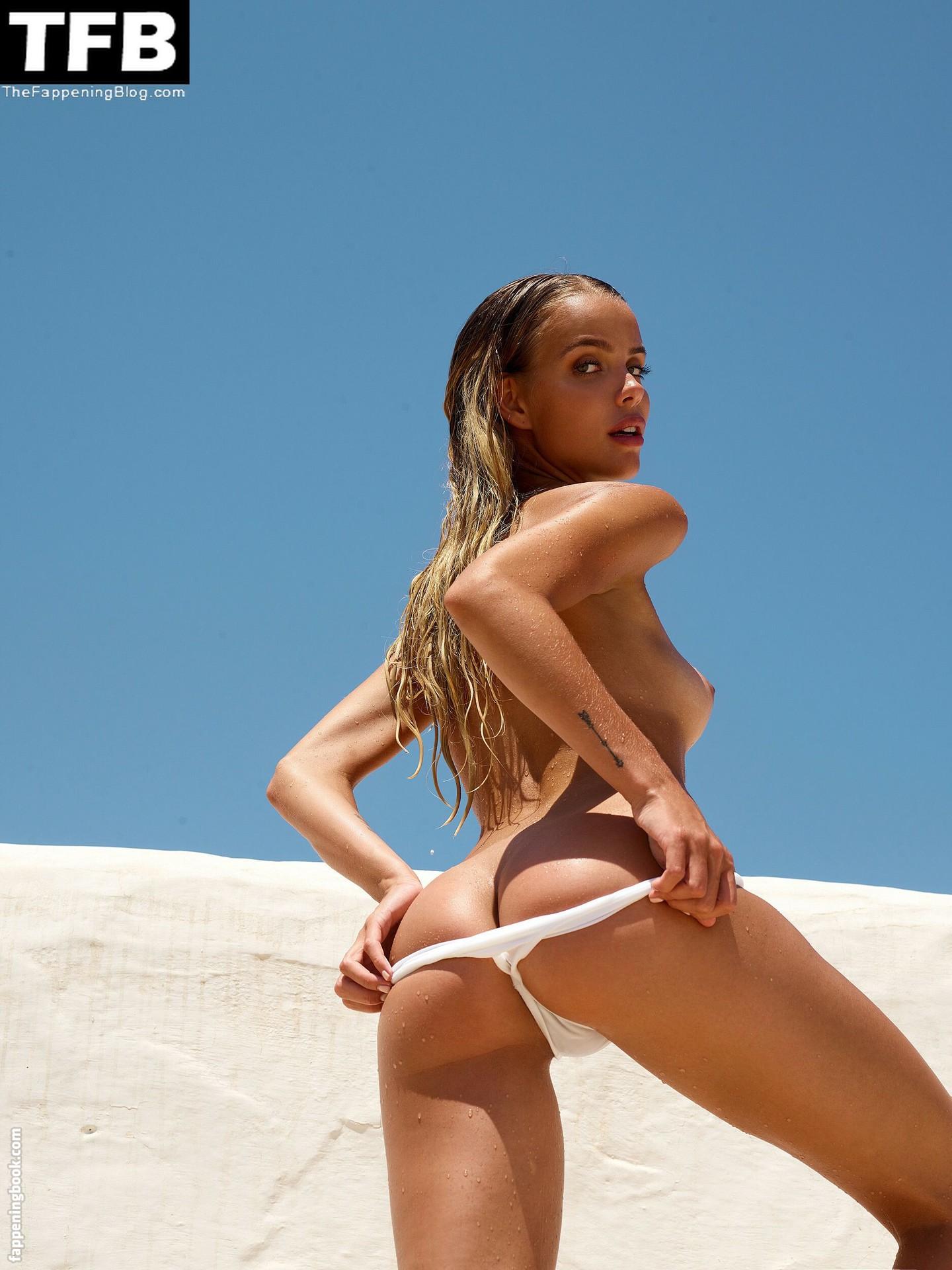 Taylor Brumann Nude