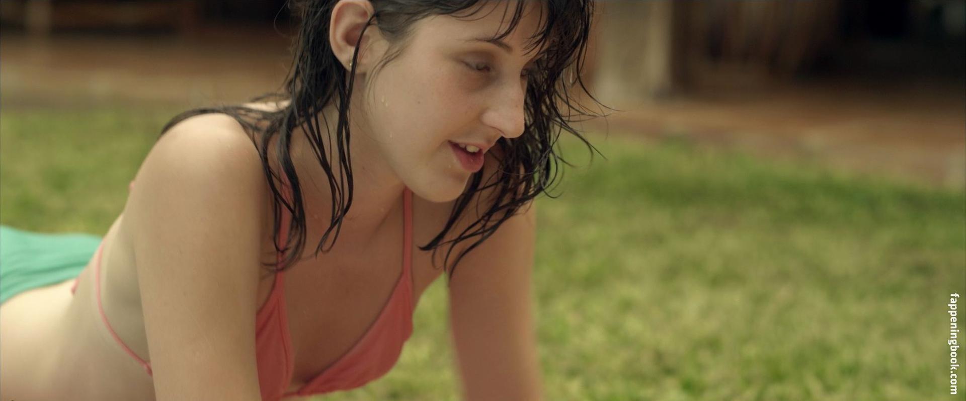 Tess Amorim Nude
