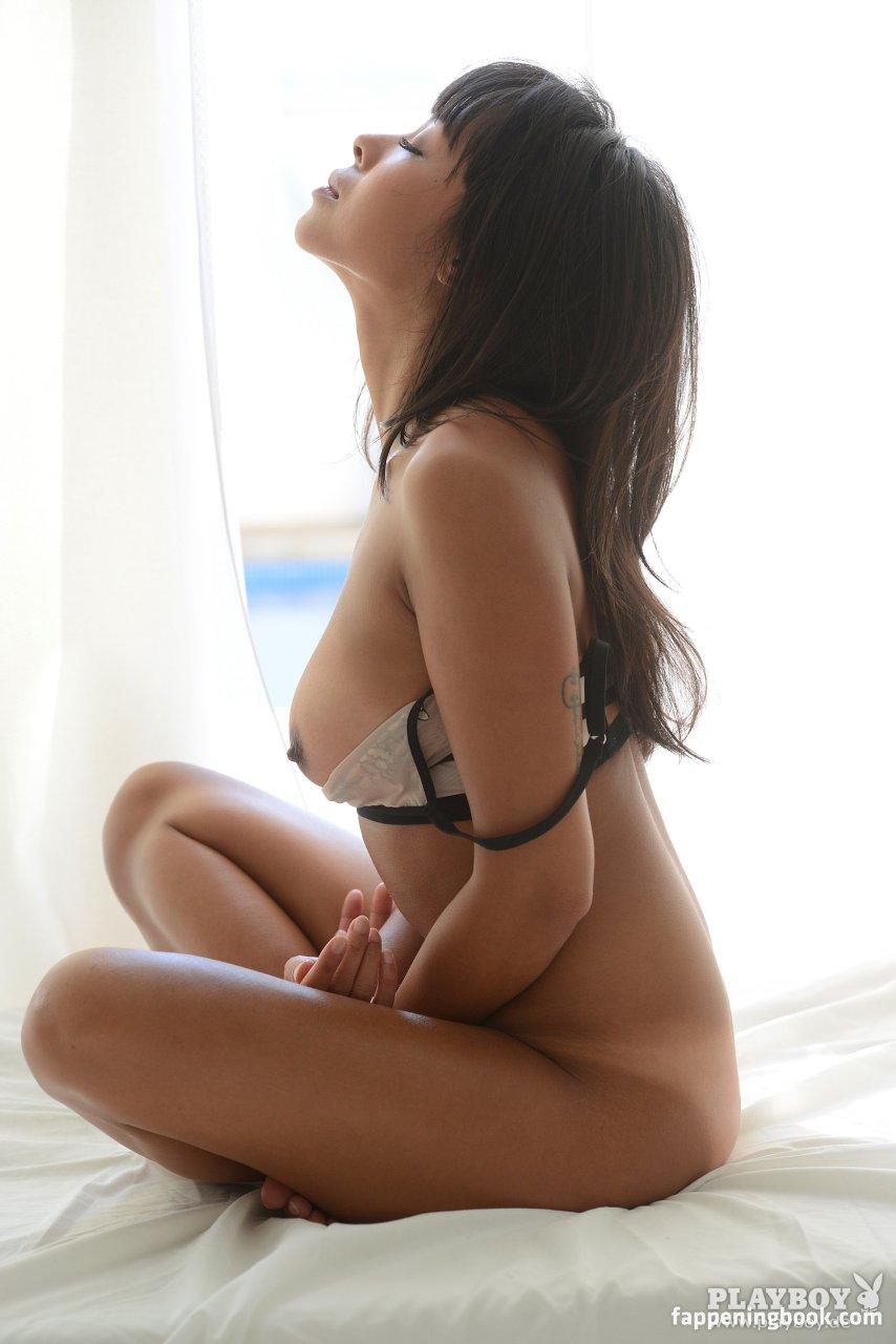 Nackt than nhan hoang Than Nhan