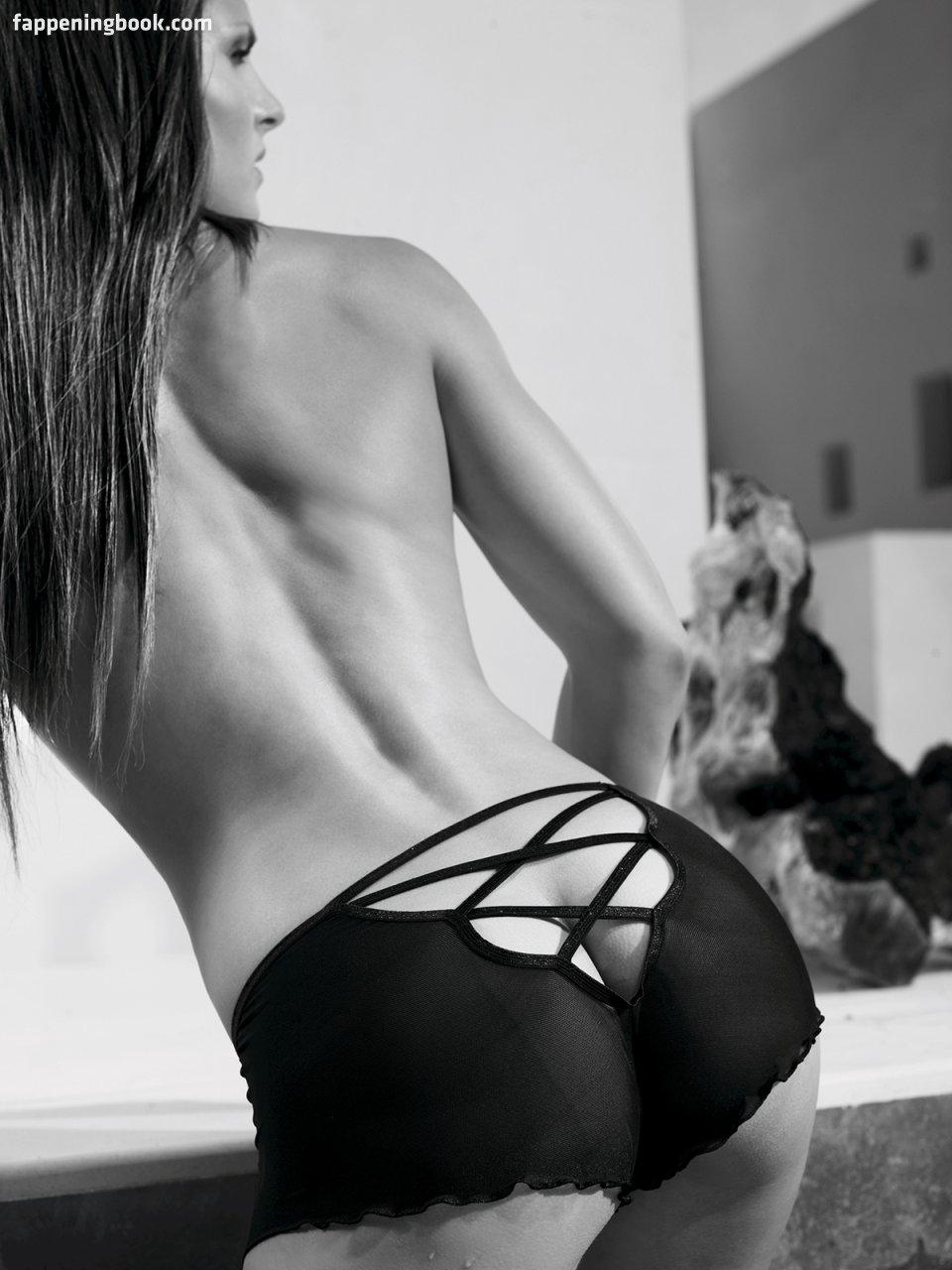 Nackt  Amy Verlaan Amber Marshall