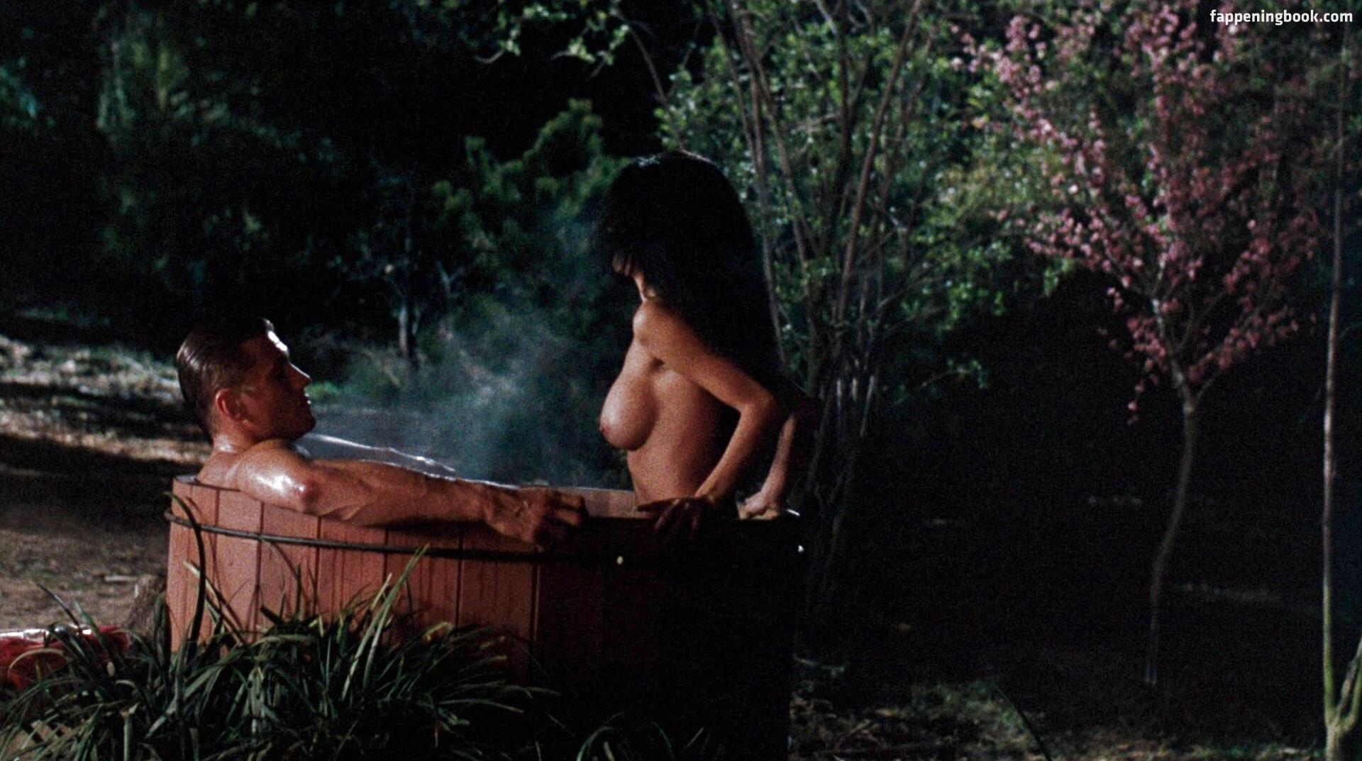 Jennifer aniston doctor nude