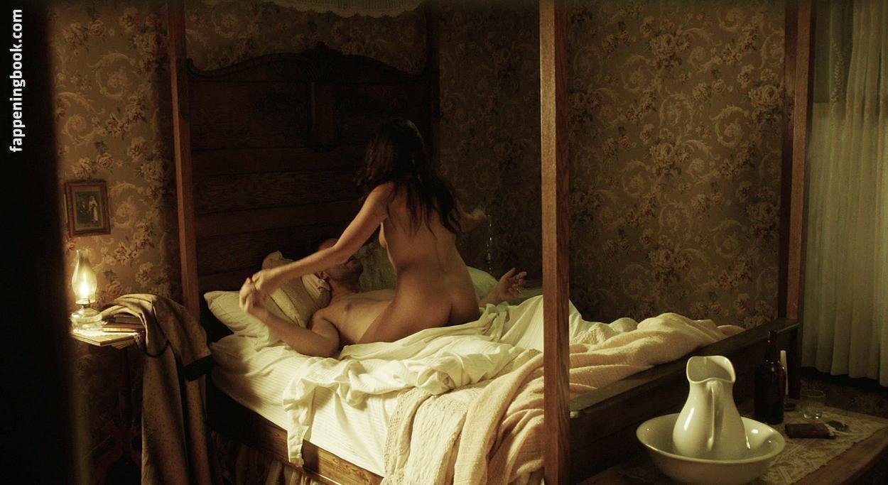 Tia Sage Nude