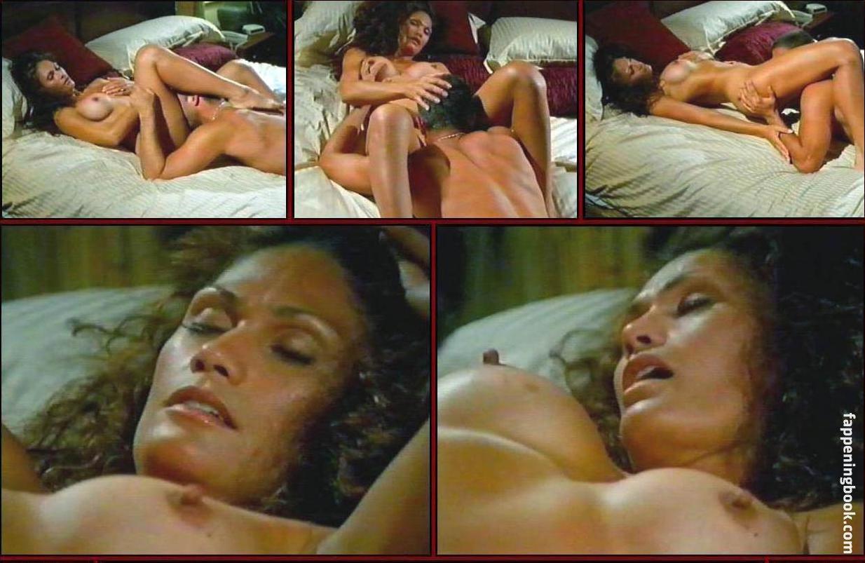 Tina Wiseman  nackt
