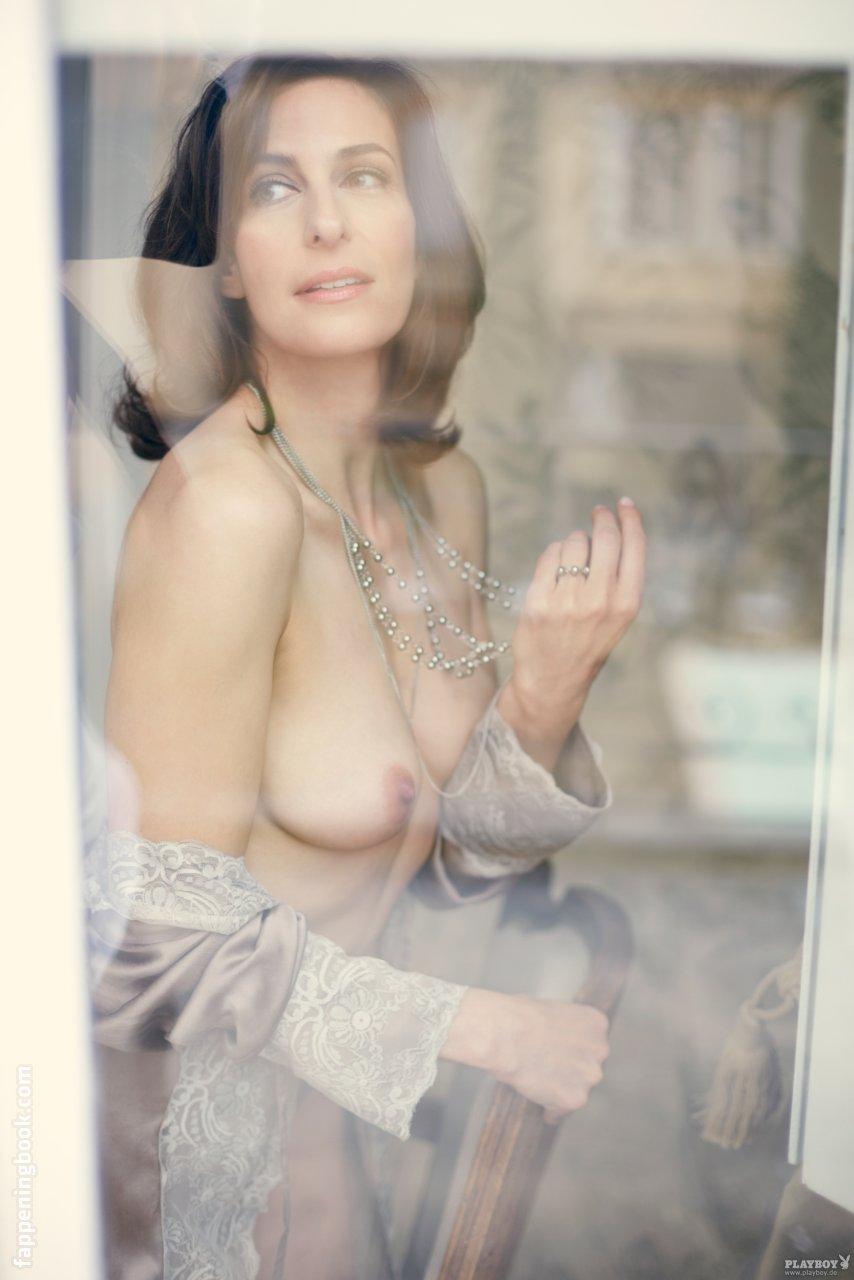 Kaitlin Hopkins  nackt