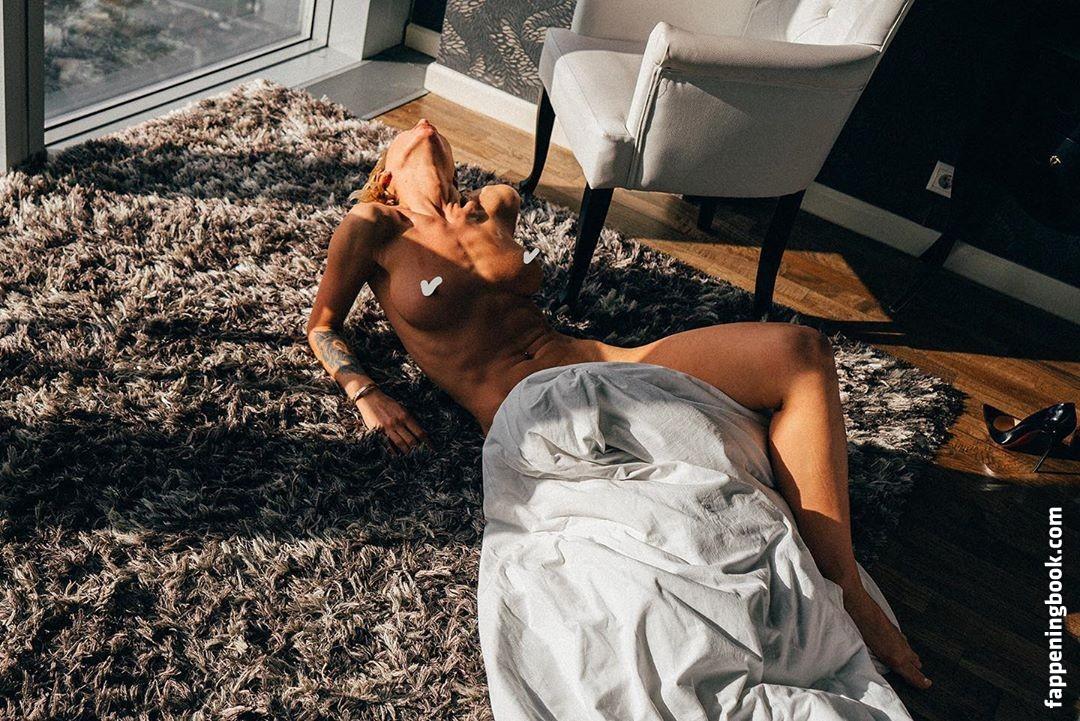 Liane nackt Bönig Nora Tschirner