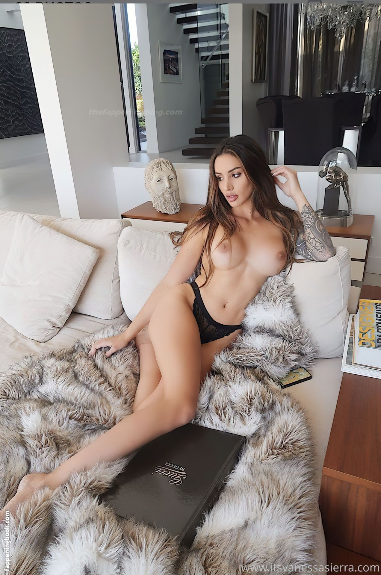 Danielley ayala naked flashing big tits in leaked onlyfans photos
