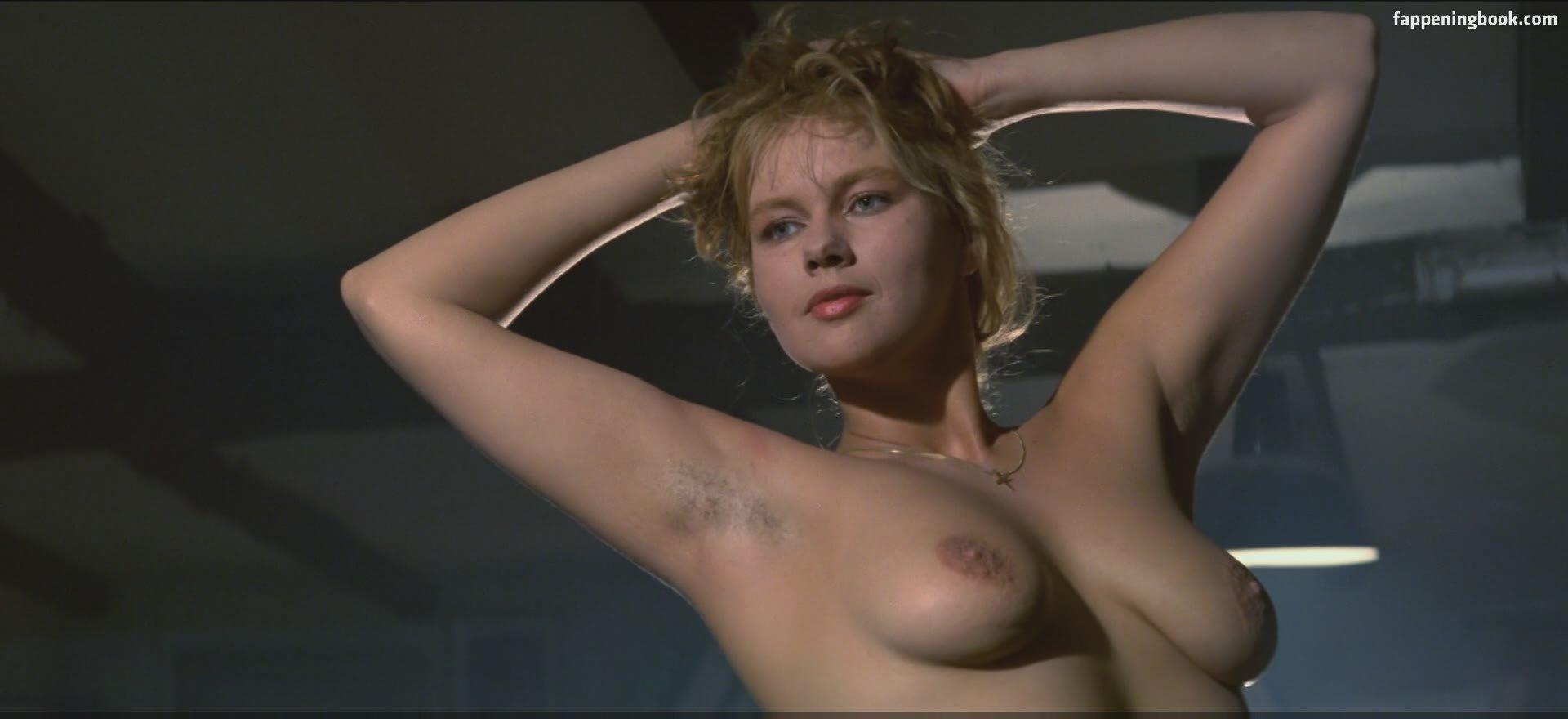 Celebrity Barbara Cupisti Nude HD