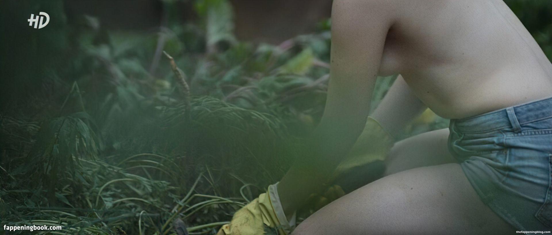 Veronika Mokhireva Nude