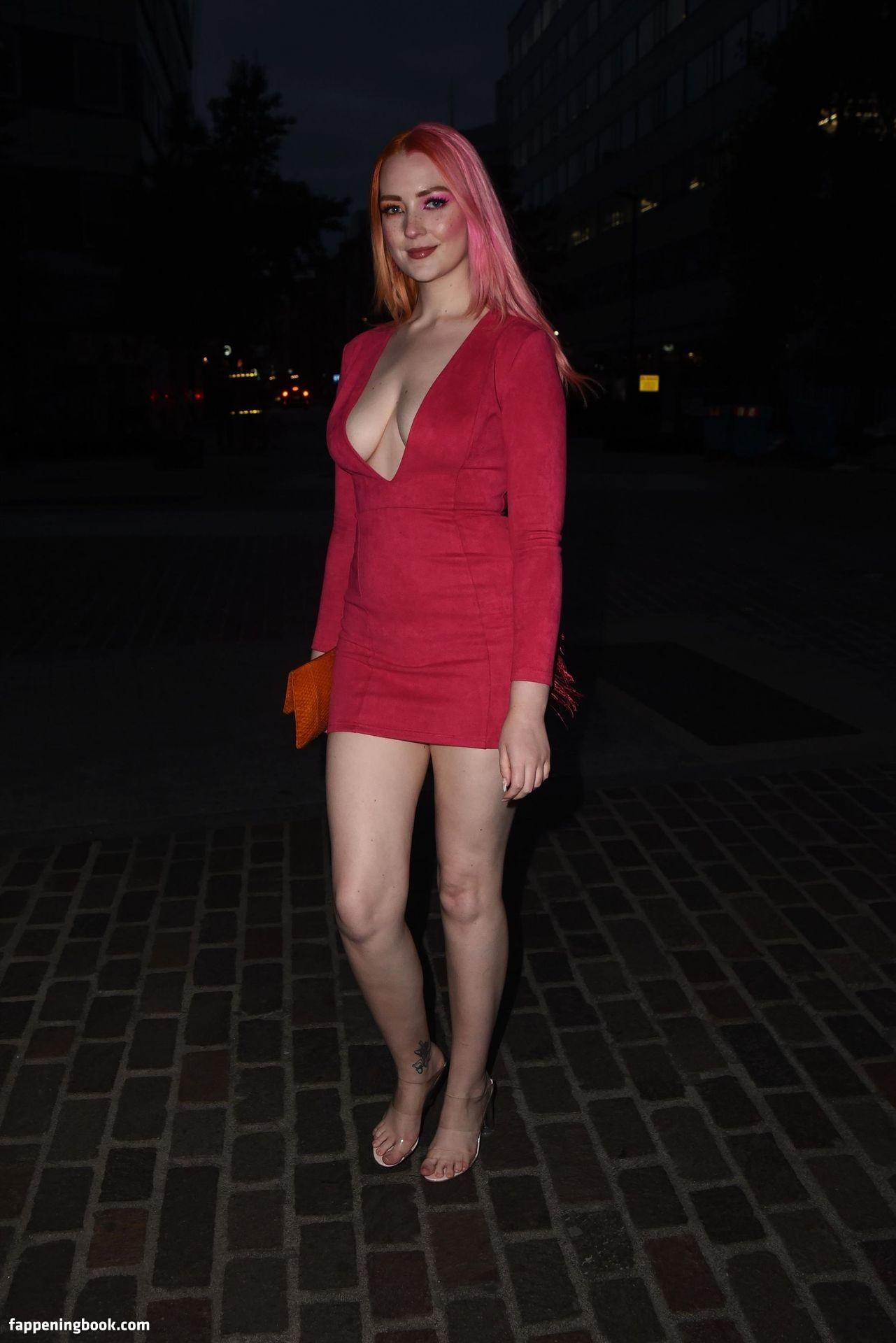 Victoria Clay Nude