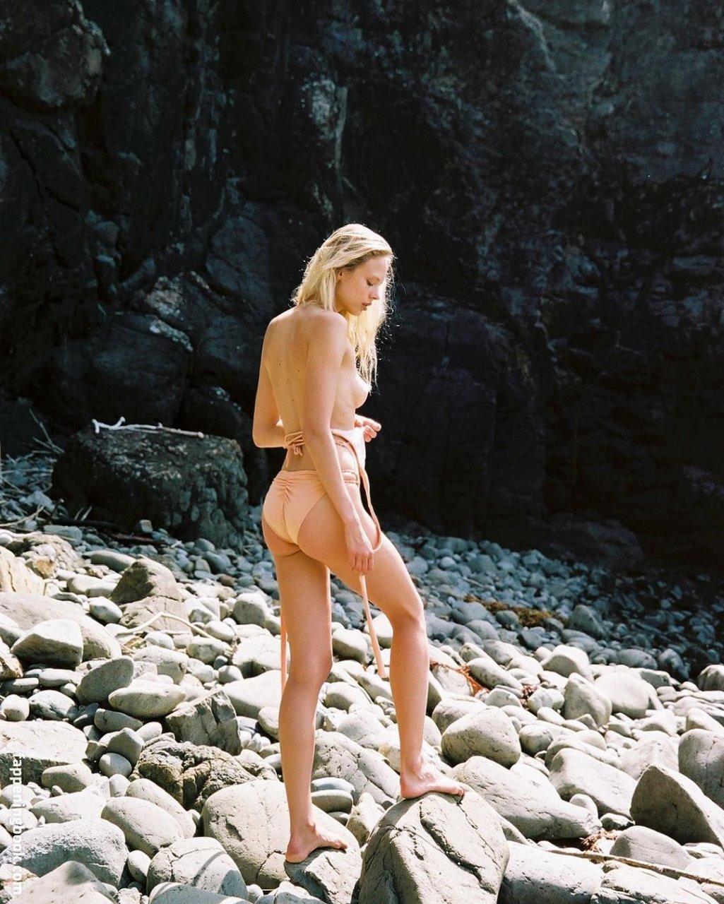 Victoria Germyn  nackt