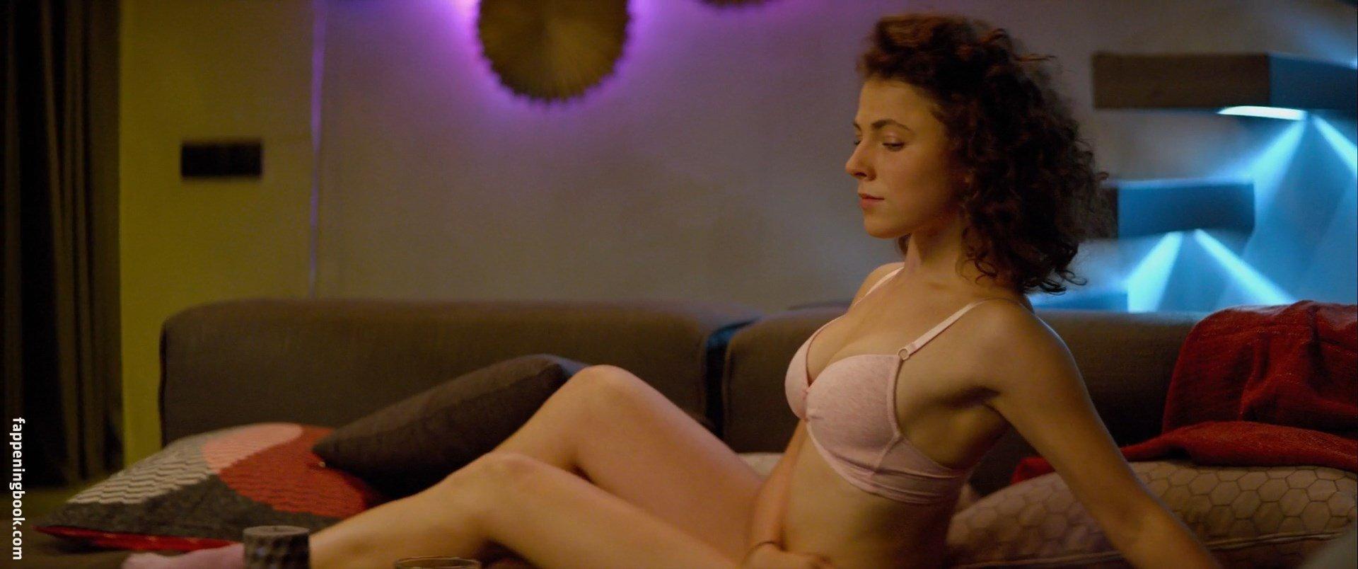 Yasmina Omerovich Nude