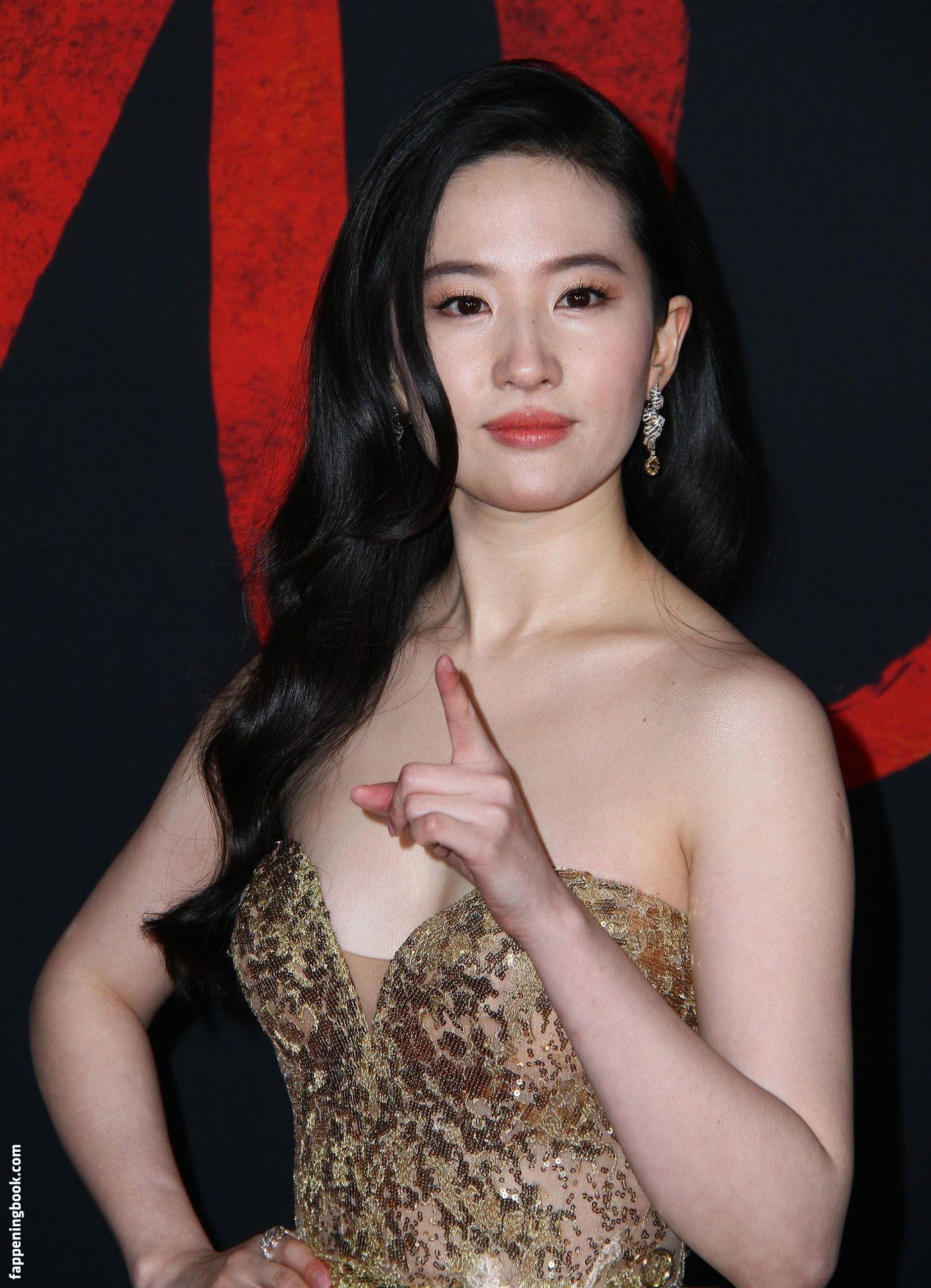刘亦菲 裸體 208+ Liu Yifei Nude American Chinese actress Naked sex