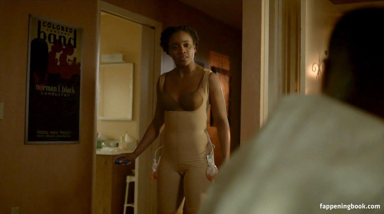 Debra Harrison-Lowe  nackt