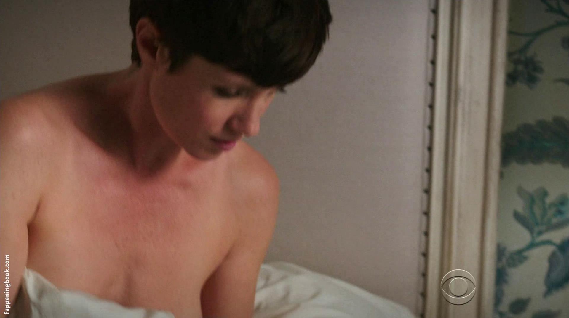 Topless zoe mclellan We provide