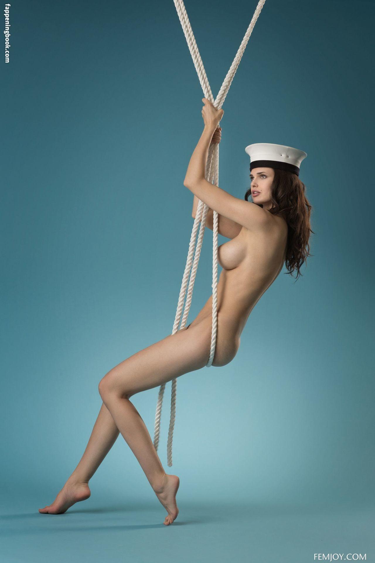 Irina Stemer  nackt