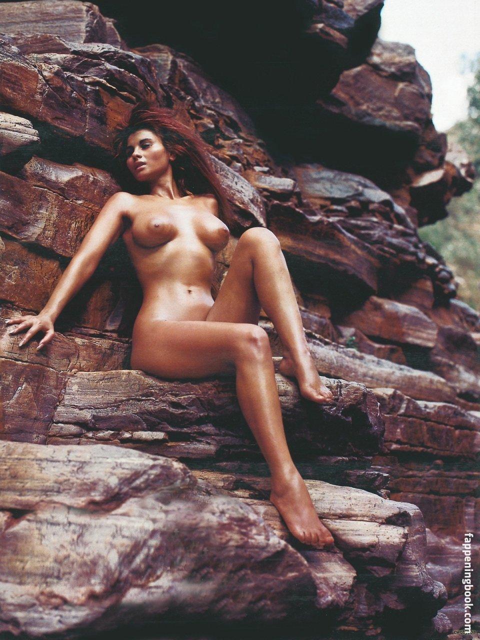 Zora Niemann Nude