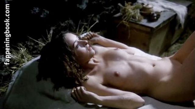 Cristina Lay  nackt