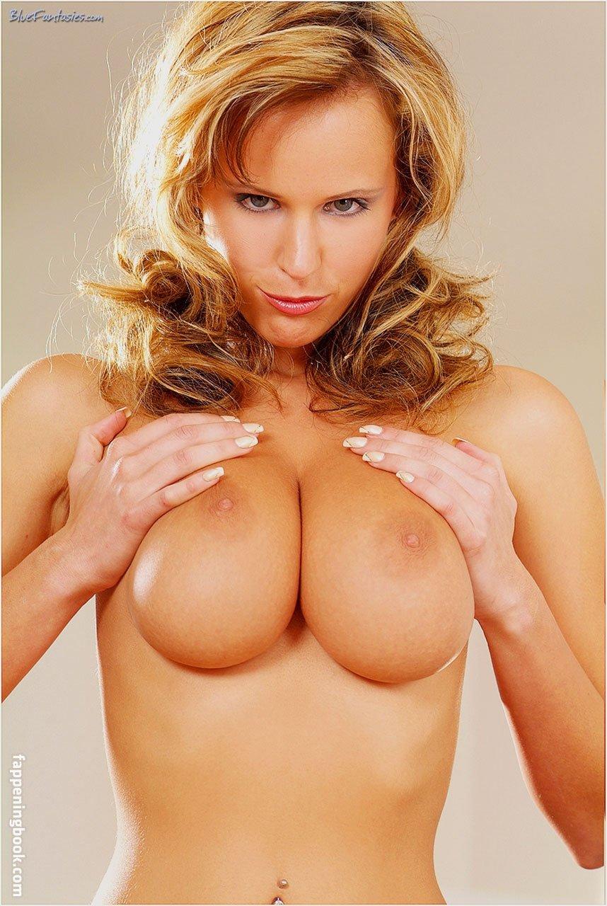 Zuzana Drabinova Nude